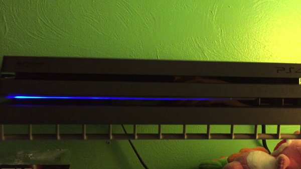 PS4 Pro LED Light Strip Powering Up, Gameplay and Loading Time Vids.jpg