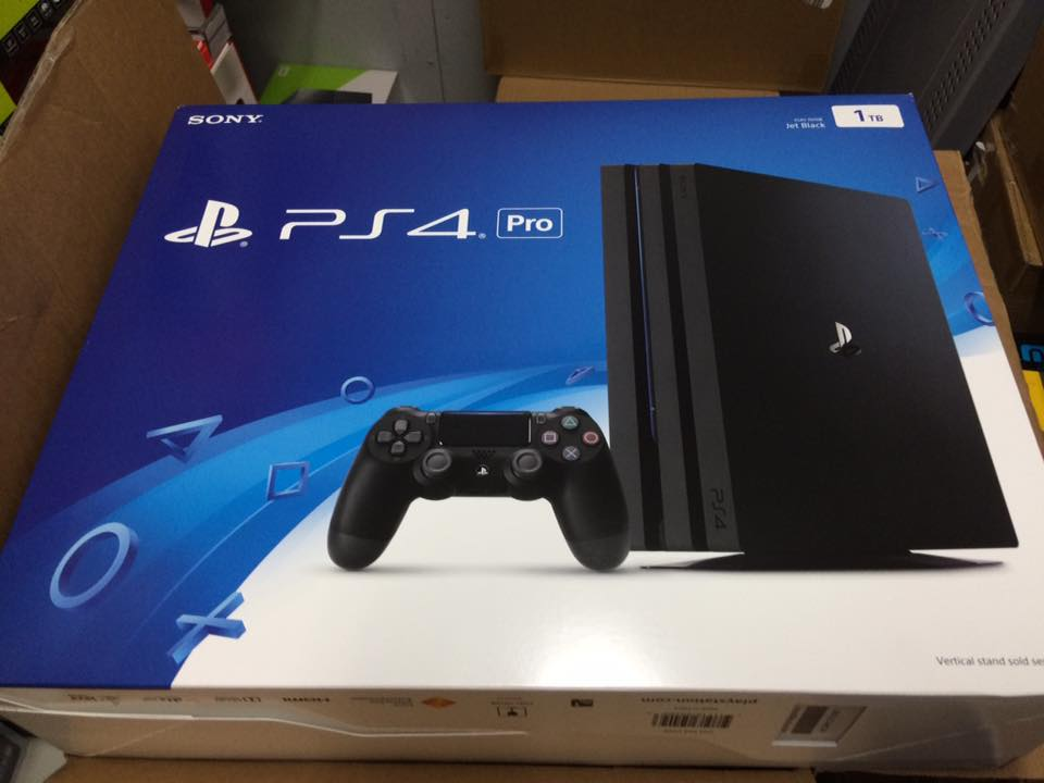 PS4 Pro Shipping Retail Box 1.jpg