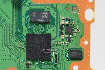 PlayStation 4 Pro SATA 3.0.jpg