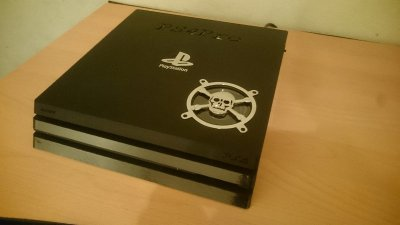 World's First PS4 Pro Case Mod by Fosi at eXtreme-Modding 2.JPG