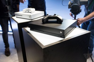 XBox One X (Project Scorpio) Unveiled at E3 2017 by Microsoft 8.jpg